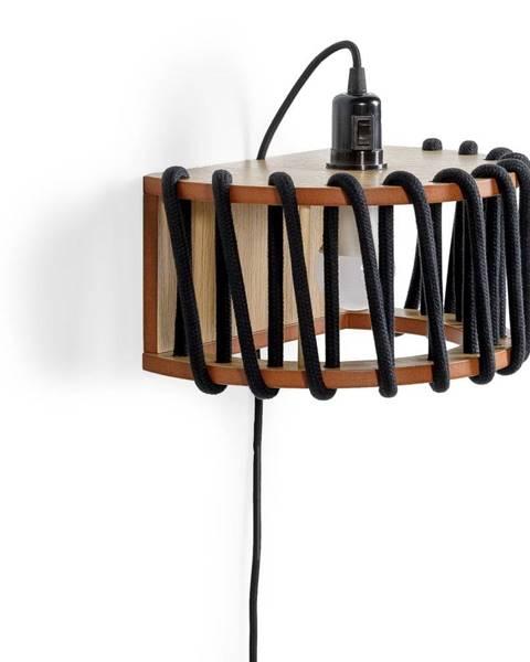 EMKO Čierna nástenná lampa s drevenou konštrukciou EMKO Macaron, dĺžka 30 cm